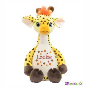 knappe giraf met borduring op de buik