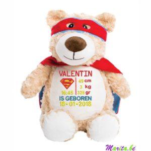 valentin is geboren en is een echter superheld