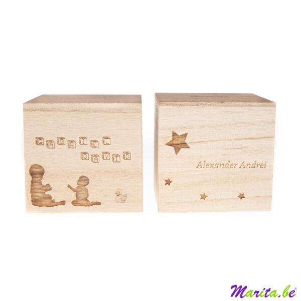 Spaarpot hout met afbeelding gegraveerd